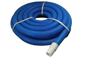 vacuum hose for use in cleaning a swimming pool